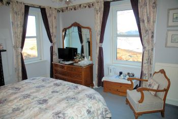 The Old Manse Guest House at Lochcarron, Wester Ross, has 5 letting bedrooms